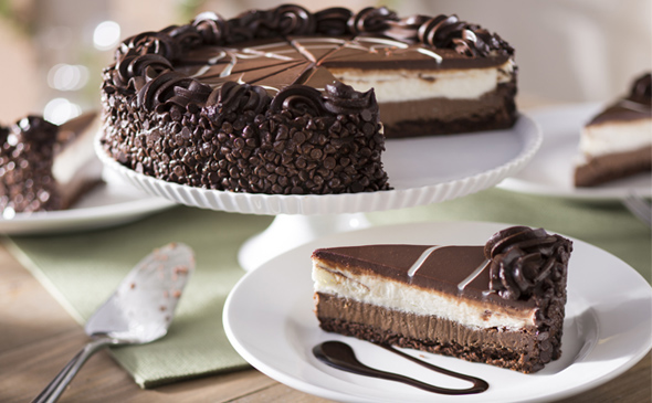 This Olive Garden Black Tie Mousse Cake is incredible!