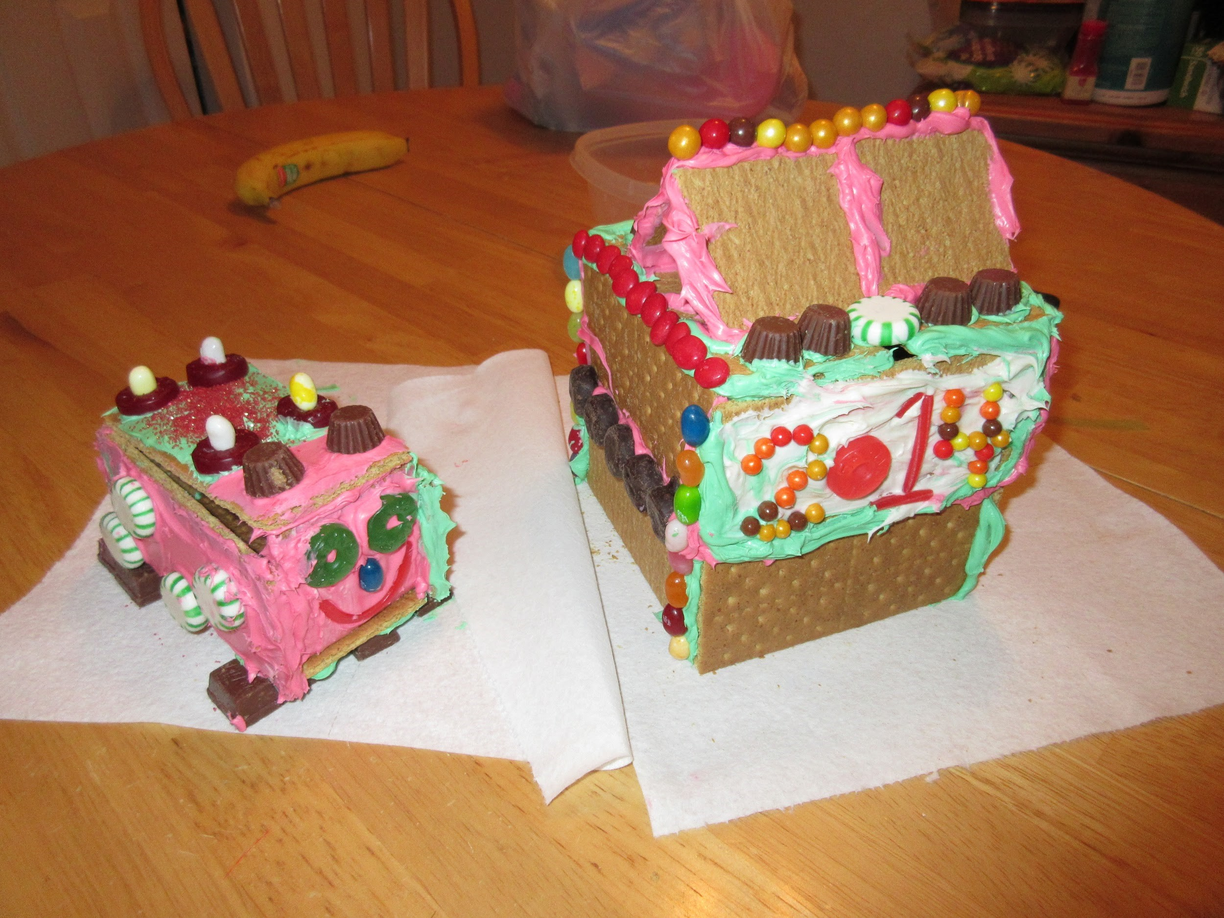 MaLee's completed gingerbread houses