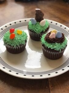 A yummy trio of easy cupcakes that you can make with your kids for Easter!