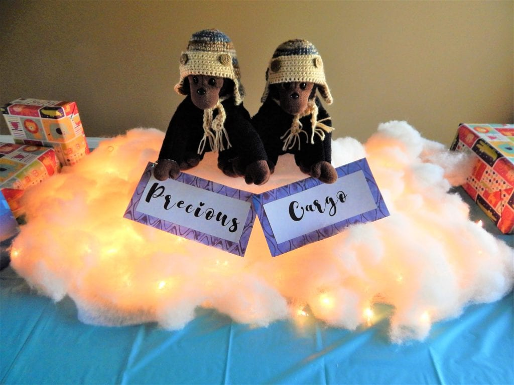 airplane baby shower ideas- gift table